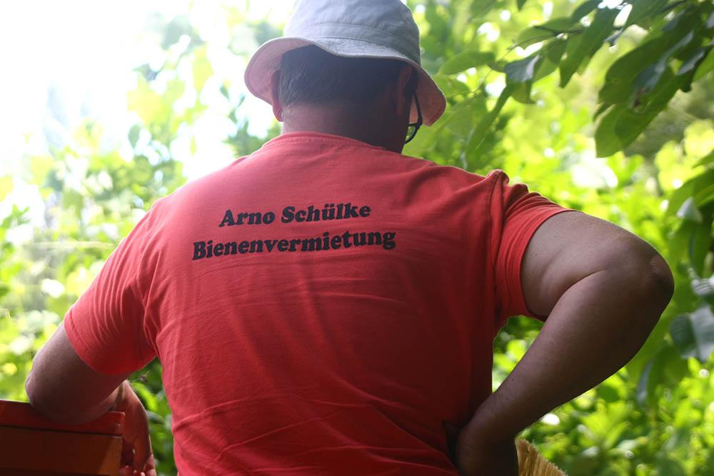 You are currently viewing In Südbaden können Firmen Bienen mieten – sogar im Industriegebiet