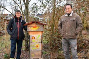 Mit den Blüten der Haselnuss kommen in Rheinfelden die ersten Bienen heraus
